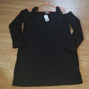 BOTTLETTE BLACK OPEN SHOULDERS DRESS